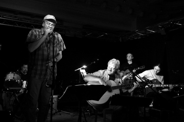 Konzert - Folkrock mit Wind, Sand & Sterne